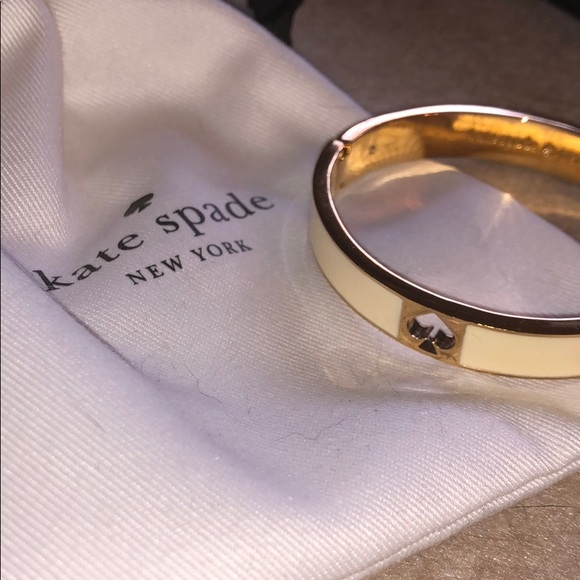 Kate Spade bangle with clasp
